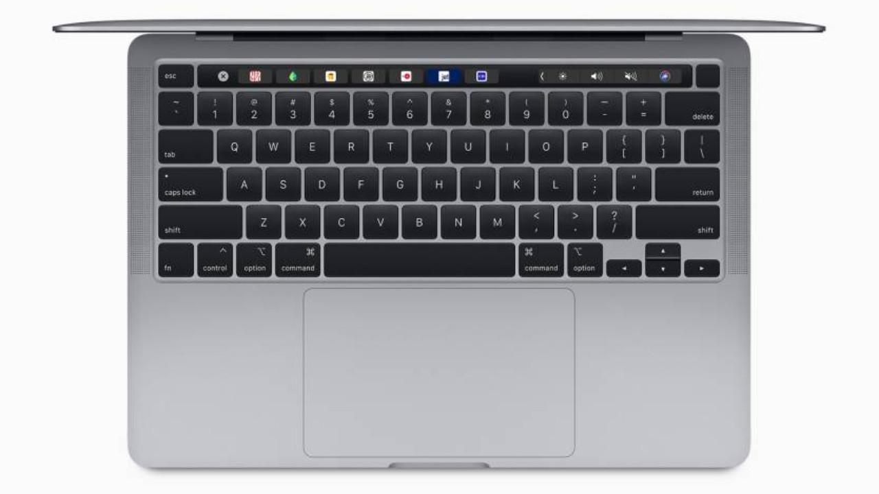 MacBook 13 inch cu magic keyboard