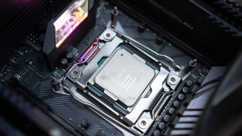 Intel depaseste AMD in Cinebench20